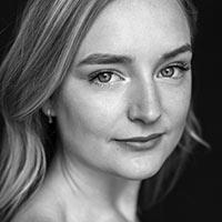 alt  | Emma Grabinsky