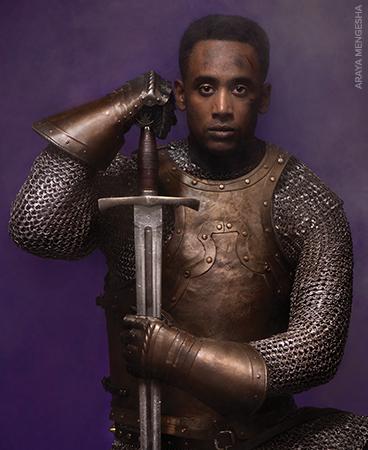 How does shakespeare explore elizabethan ideas of kingship in 'hamlet?