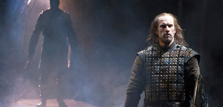 Ian Lake as Macbeth in Macbeth (2016).