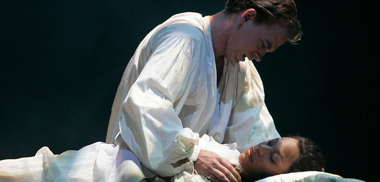 Romeo and Juliet, 2008. Gareth Potter as Romeo, Nikki M. James as Juliet. Photograph by David Hou.