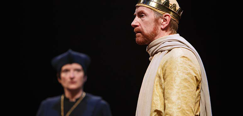 Kate Hennig (left) as The Bishop of Carlisle and Tom Rooney as King Richard II. Photography by David Hou.