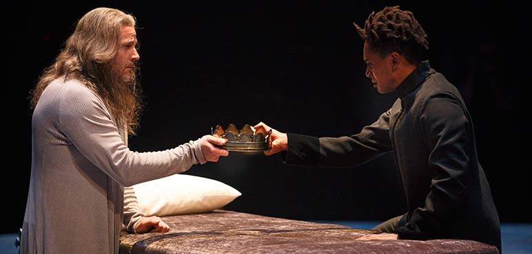 Graham Abbey (left) as King Henry IV and Araya Mengesha as Prince Hal. Photography by David Hou.