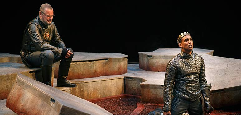 Geraint Wyn Davies (left) as Captain Fluellen and Araya Mengesha as King Henry V. Photography by David Hou.