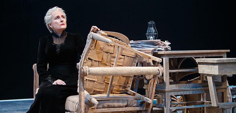 Seana McKenna as Miss Ella Rentheim. Photography by David Hou.
