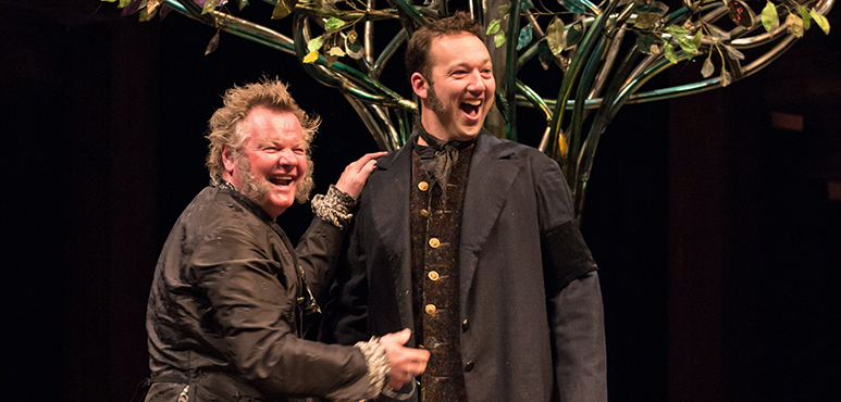 Geraint Wyn Davies (left) as Sir Toby Belch and Gordon S. Miller as Fabian. Photography by Cylla von Tiedemann.