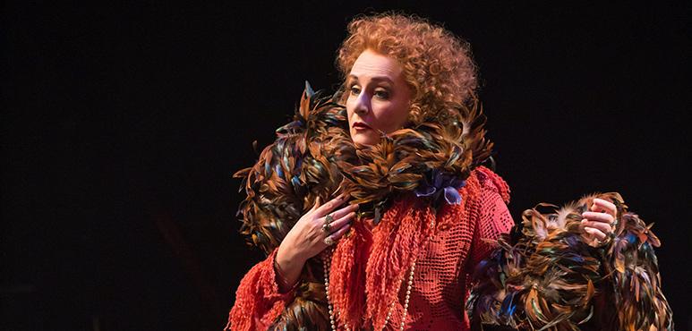 Seana McKenna as Aurélie, The Madwoman of Chaillot. Photography by Cylla von Tiedemann.