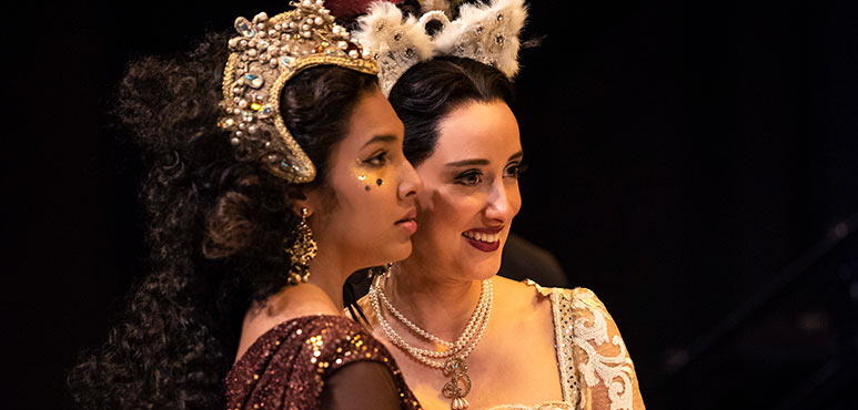 Oksana Sirju (left) as Jane Seymour and Alexandra Lainfiesta as Anne Boleyn in Henry VIII. Photography by Emily Cooper.