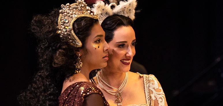 Oksana Sirju (left) as Jane Seymour and Alexandra Lainfiesta as Anne Boleyn in Henry VIII. Photography by Emily Cooper.